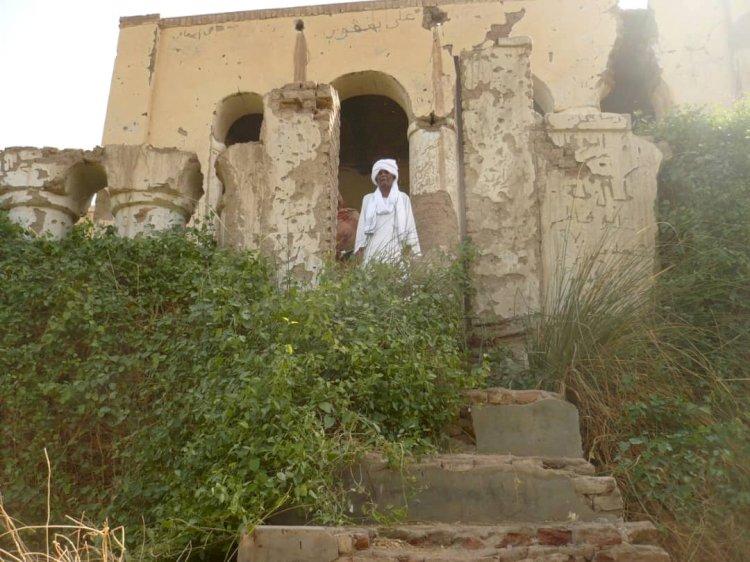 قصر الملك طمبل في قبضة ثعابين النيل